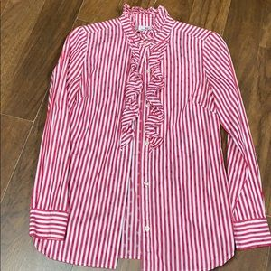 Vineyard Vines button up ruffle top.  Size 00